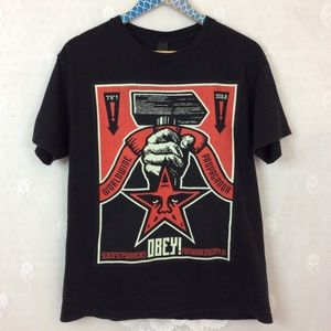 Obey Propaganda Black Red Hammer Star Tee Shirt M